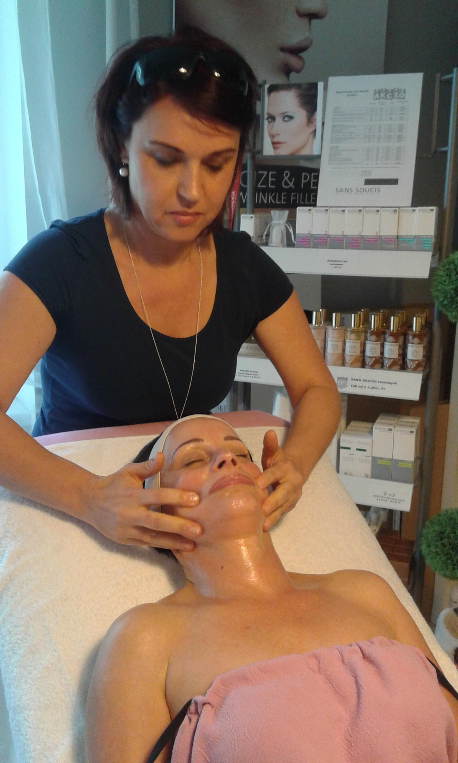 gyémántfejes hámlasztás, mikrodermabrázió, arckezelés, kozmetikai kezelés, arcfiatalítás, dermaroller , arcmasszáz