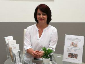 Sóstai Szilvia esztétikai kezelés tanácsadó, medikozmetikus, pécsi kozmetikus, kozmetika pécs